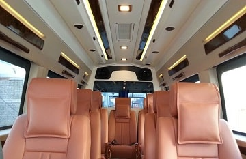 9 Seater Maharaja Traveler